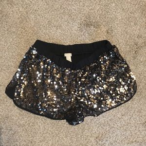 Sequin pull on shorts